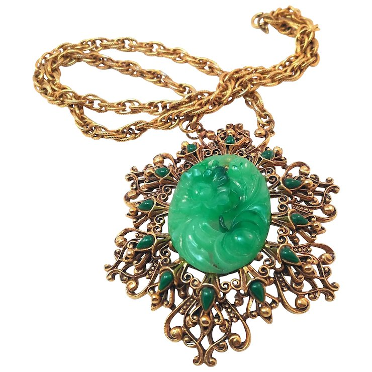 Florenza vintage faux carved jade pendant necklace in filigree florenza vintage faux carved jade pendant necklace in filigree setting aloadofball Images