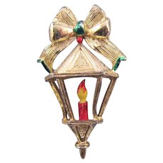 Gerry's Goldtone Christmas Lantern Brooch