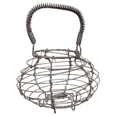 Kitchen Primitive Wire Ware Egg Basket