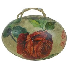 1910's German Easter Egg Purse with Flower Lithograph