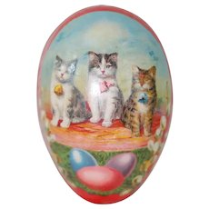 Early 20th Century German Red Easter Egg with Lithograph of Cats and Dresden Trim