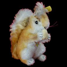 1950s Steiff Red Squirrel Posse w/ Velvet Nut All ID