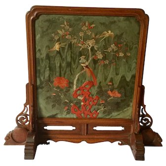 Chinese Carved Spinach Jade Table Screen