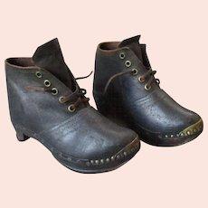 Pair ANTIQUE 19th Century LANCASHIRE CLOGS Child's Cotton Mill Factory Shoes