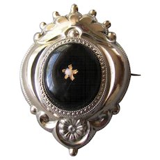 ANTIQUE 19th Century Victorian Era Enameled Pinchbeck MOURNING PIN 1860
