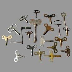 20 Antique Clock Keys