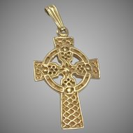 9K YG Irish Celtic Cross 2 Grams
