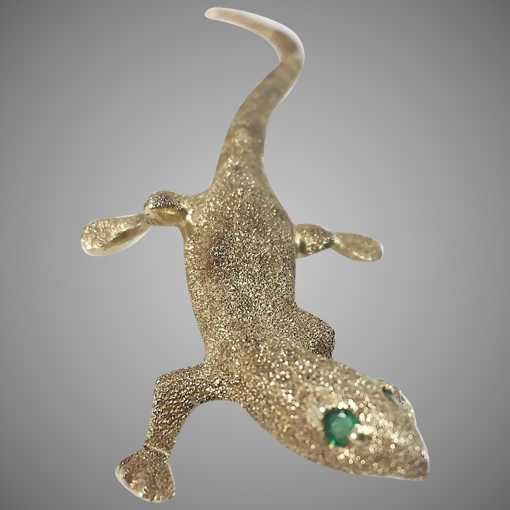 eec0e13e7c6 14K Lizard Pin/Brooch with Emerald Eyes : The Moody Carpenter | Ruby Lane