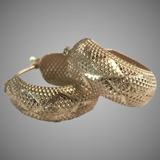 14K Wide Huggie Hoop Earrings w/ Diamond Pattern