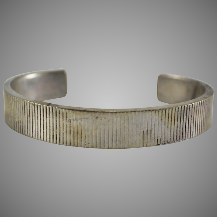 45f6dae69 Tiffany & Co Sterling Silver Ribbed Cuff Bracelet 33 Grams : The Moody  Carpenter | Ruby Lane