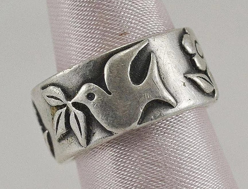 James Avery Dove And Flower Ring