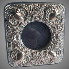 Small Keyford Frames Ltd English Sterling Silver Embossed Desk Vanity Picture Frame