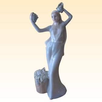 Royal Doulton Figurine Autumn Glory HN 2766 LE 1000