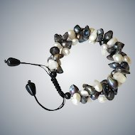 Black & White cultured Pearl Bracelet