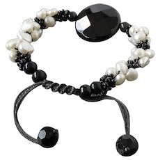 Black Only x with Freshwater cultured White Pearls Gemstone Bracelet