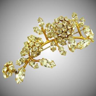 SCHREINER Unsigned Triple Flower Trembler Brooch Brilliant Clear Rhinestones