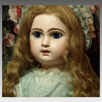 Jumeau Bebe 10-Lever Eyes-Exquisite Couture Costume-Authentic Antique Paris Bee Symbol Depose Shoes ♥♥