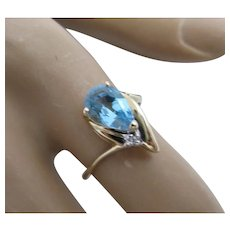Retro 14K Gold Pear Shaped Aquamarine and diamond ring
