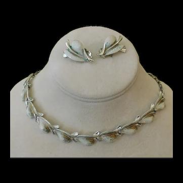 Vintage Jewelry Set c1947 Necklace Clip Earrings Enamel Leaves