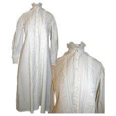 Victorian Nightgown / Robe in White Cotton c1890s