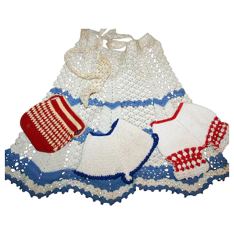 Kitschy Kitchen Crocheted Apron + 3 3-D Pot Holders Perky Housewife
