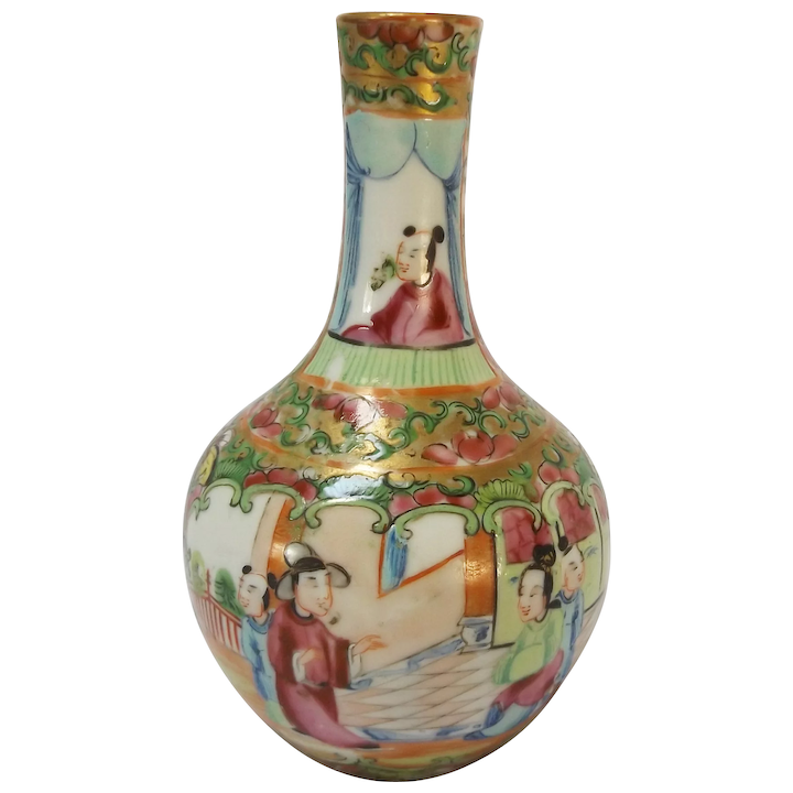 Dating chinese porcelain from facial features and adornments