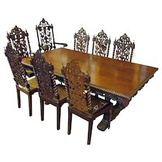19th Century English Dining Table with Eight Chairs