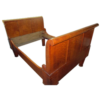 19th Century American Bird's Eye and Tiger Maple Sleigh Bed