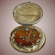 Large Victorian (1837-1901) English Agate Memorial Brooch