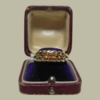 18 Kt Gold Love Knot-Braided Dress Band Ring