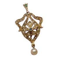 9 Kt Gold Cultured Pearl Lavalier Pendant