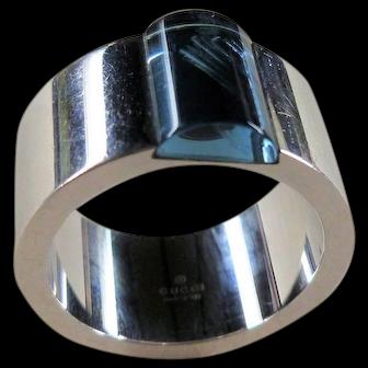Vintage 18k Gucci Blue Topaz Band Ring