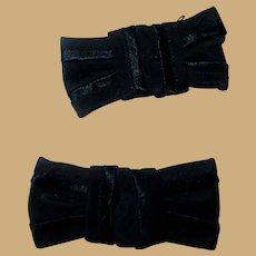 2 Vintage small black bows accessories dolls women