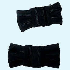 2 Vintage small black bows accessories dolls women