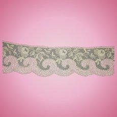 Vintage ecru lace trim