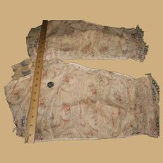 Antique pair sleeves rose and lace bedecked leno textured cotton fabric