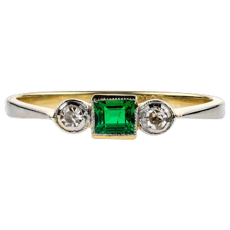 Art Deco Emerald & Diamond Three Stone Engagement Ring, Circa 1920s 18ct Gold and Platinum.