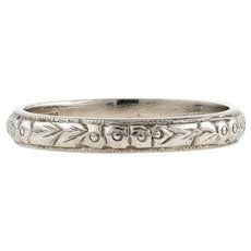 1920s Platinum Engraved Wedding Ring, Art Deco Flower Pattern Ladies Band. Size J / 4.75