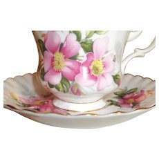 Vintage 21-piece Royal Albert Tea Set - Prairie Rose