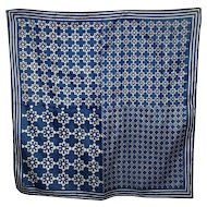 Vera Neumann Designer Signed Ladies  Geometric Scarf Blue & White