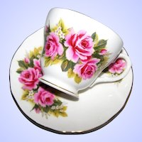 Pretty Rose Floral Tea Cup & Saucer Set Duchess England
