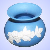 A Wonderful Vintage Miniature Blue Jasper Ware Bulbous Vase ECanada Style