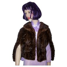 Glamorous  Cameo Furs Bridgeport Conn Women's Fur Capelet Shawl Cape