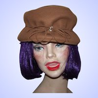 A Vintage  Hubbard Felt Company Ladies  Brown Felt  Fashion Hat