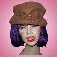 A Vintage  Hubbard Felt Company Ladies  Brown Felt  Fashion Hat