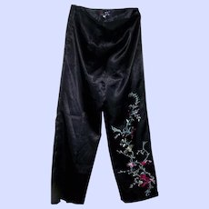 Ladies Vintage Satin Oriental Style Pants Size Petite 21 Embroidered Floral Decoration