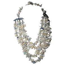 "A Stunning Vintage 14"" Choker  Style MOP Mother Of Pearl Necklace"