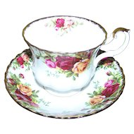 Royal Albert England  Bone China  Tea Cup and Saucer  Set Old Country Roses