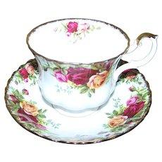 Royal Albert England  Bone China  Tea Cup and Saucer  Set Old Country Roses