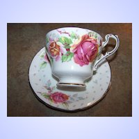 "Double Paragon Tea Cup & Saucer Roses ""Golden Emblem"""